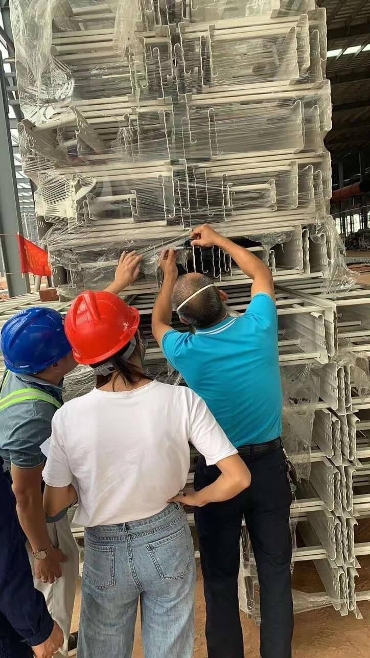 大跨距电缆桥架进场_广西梧州欧神诺陶瓷厂